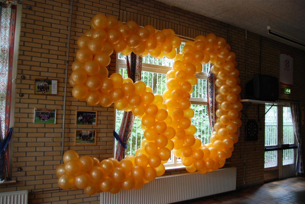 Ballonnen voor een verjaardag de ballonnenkoning for Ballonnen versiering zelf maken